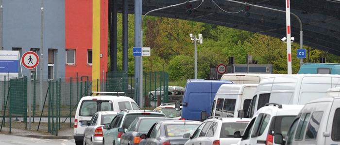 Ukrajinci sa po pravoslávnych veľkonočných sviatkoch vracali do krajín EÚ, kde dlhodobo pracujú a žijú. Na hraniciach sa čakalo až 6 hodín.