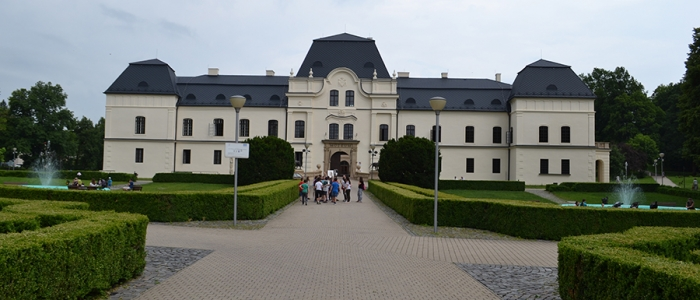 Vihorlatské múzeum v Humennom získalo najvyššie umiestnenia s publikáciou Skanzeny v Prešovskom samosprávnom kraji a s dobovými pohľadnicami – Vihorlatské múzeum v Humennom.