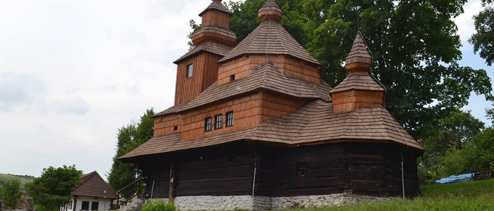 V areáli skanzenu sa uskutoční od 15.30 hod. moleben k Presvätej Bohorodičke v kostolíku sv. Michala Archanjela.