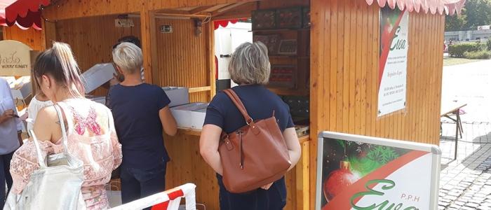Návštevníci si mohli pozrieť aj prezentáciu remeselných výtvorov a tiež ochutnať jedlá družobných miest.