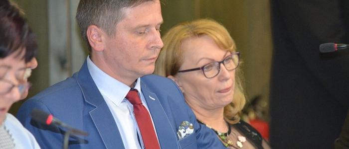 """""""Nemáme nejaké relevantné ukazovatele ani analýzu na to, kam dávame tieto verejné financie,"""" povedal poslanec Miloš Meričko na margo dotovania dvoch športových klubov."""