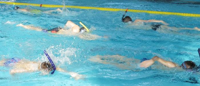 ...aj klasické dvojfázové denné tréningy v bazénovej vode.