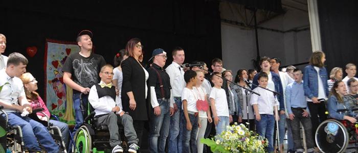 V bohatom kultúrnom programe sa predstavilo vyše 50 detí.