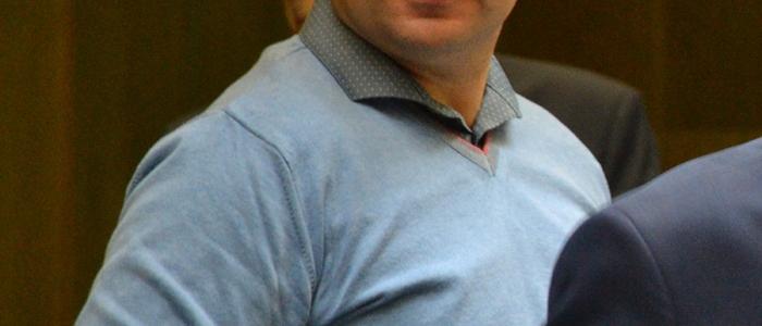 Poslanec Branislav Čekovský navrhol, aby mesto vyžadovalo od osôb, firiem, ktoré prerábajú byt, povinnosť predložiť doklad o likvidácii stavebného odpadu.