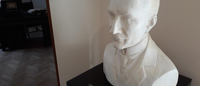 Hovoriace hlavy ako sprievodcovia expozíciami sú jedným z interaktívnych prvkov.