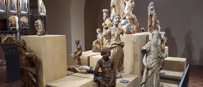 Novou je tiež expozícia sakrálneho umenia predstavujúca západný i východný kresťanský obrad.