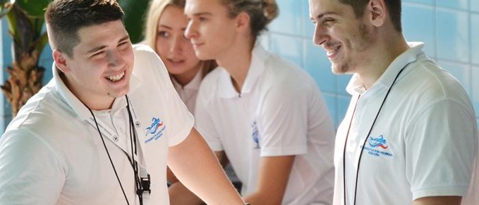 Naši plaveckí odchovanci – Tibor Hodbod a Filip Levický, sa zúčastňujú pretekov už len ako rozhodcovia.