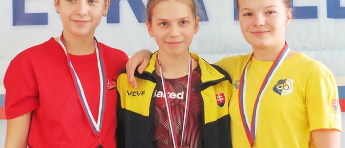 Mária Balogáčová v disciplíne motýlikna 200 metrov vyletela na zlatý stupeň víťazov.